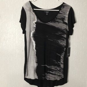 Simply Vera Vera Wang Tops - NWT Simply Vera Vera Wang top. Size medium.